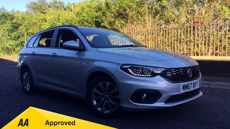 Fiat Tipo 1.6 Multijet Easy Plus 5dr Diesel (2017) at Fiat and Jeep Oldham Motors thumbnail image