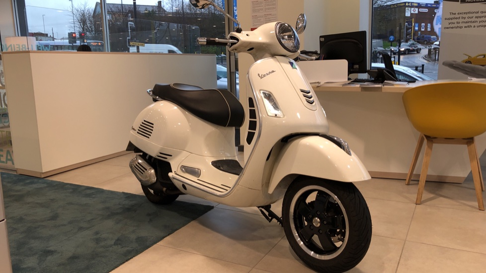 Piaggio Vespa GTS 125 SUPER ABS 0.1 Scooter (2018) at Oldham Motors Citroen, Fiat and Jeep thumbnail image