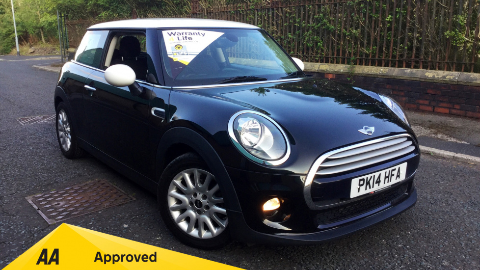 Mini Cooper 1.5 Cooper 3dr with CHILI PACK, BLUETOOTH AND USB Hatchback (2014) at Fiat and Jeep Oldham Motors thumbnail image