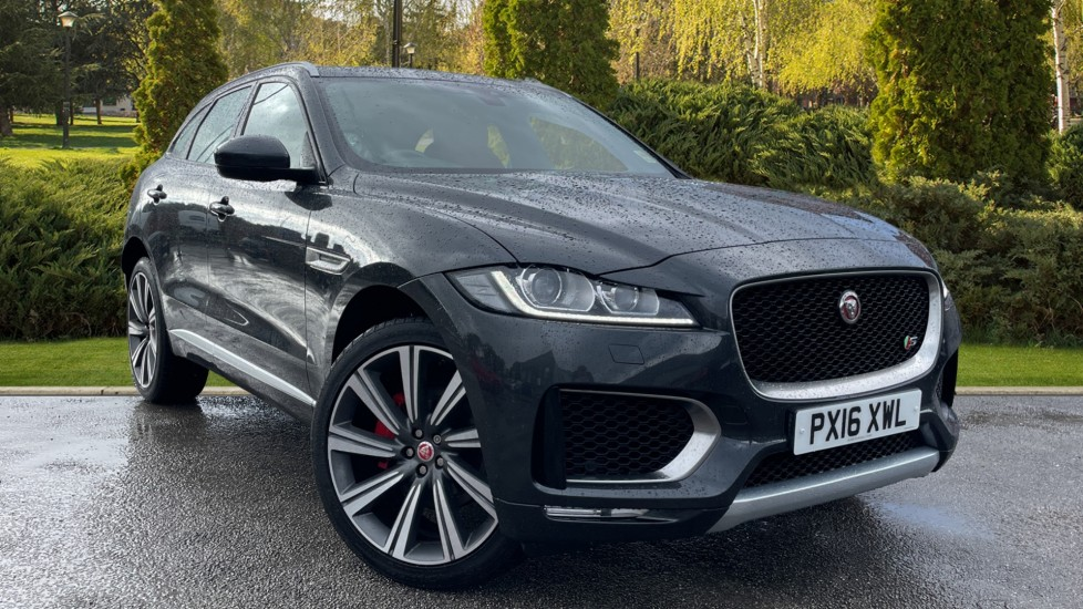 Jaguar F-PACE 3.0d V6 S 5dr AWD [Heated Seats] [Climate Control] Diesel Automatic 4x4 (2016) image