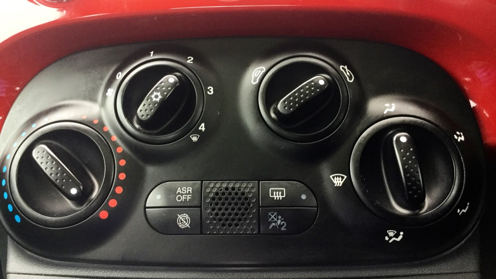 Fiat 500 1.2 Lounge 3dr image 18