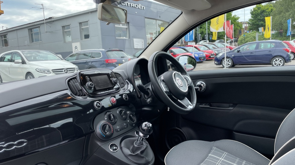 Fiat 500 1.2 Lounge 3dr [Pan Roof][Bluetooth] image 3