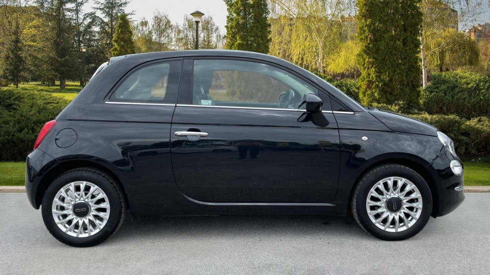 Fiat 500 1.2 Lounge 3dr [Pan Roof][Bluetooth] image 5