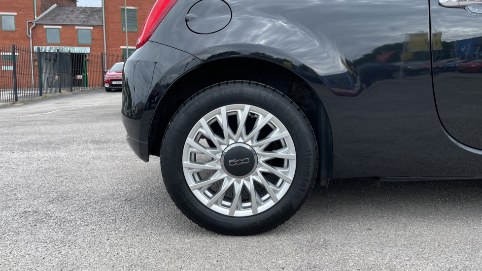 Fiat 500 1.2 Lounge 3dr [Pan Roof][Bluetooth] image 8