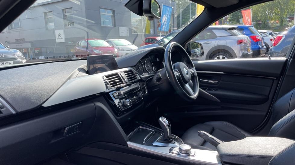 BMW 3 Series 320d M Sport Step [Park Assist][Navigation] image 3