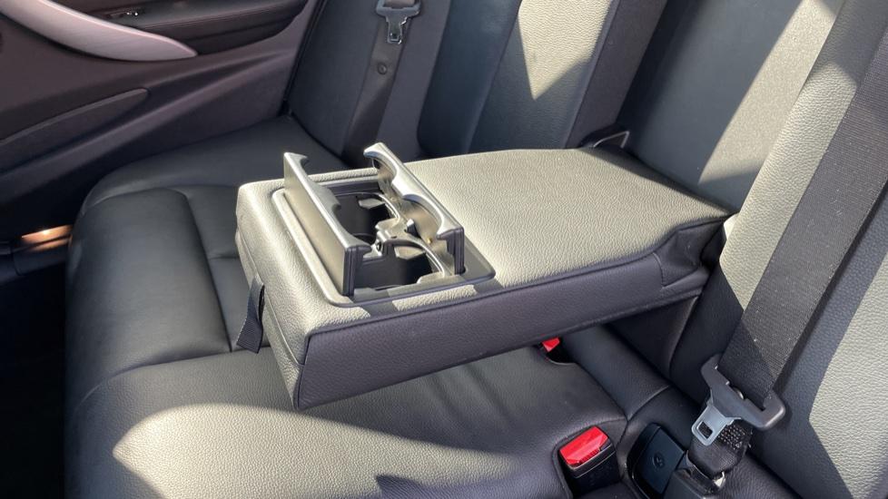 BMW 3 Series 320d M Sport Step [Park Assist][Navigation] image 10