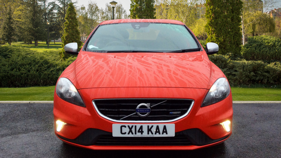 volvo v40 d2 r design 5dr 1 6 diesel hatchback 2014 cx14kaa in stock used volvo v40 d2 r. Black Bedroom Furniture Sets. Home Design Ideas