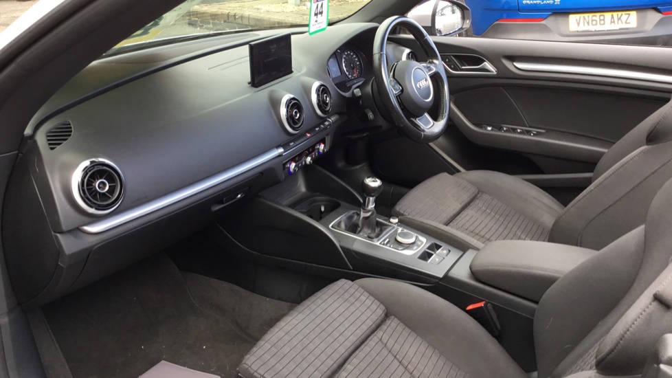 Audi A3 1.4 TFSI 150 Sport 2dr image 4