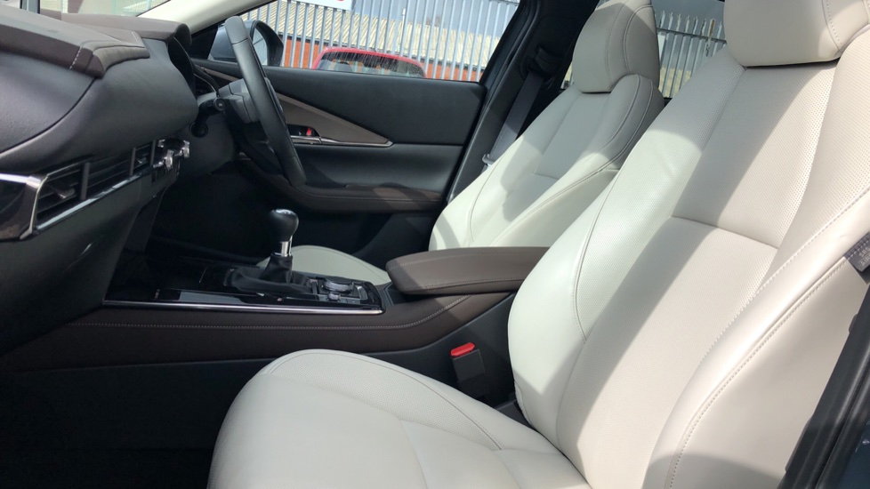 Mazda CX-30 2.0 Skyactiv-X MHEV GT Sport 5dr, Panoramic Roof, Rear Parking Camera, Heated Seats image 3