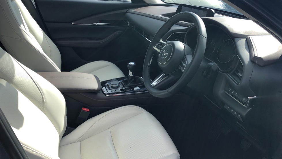 Mazda CX-30 2.0 Skyactiv-X MHEV GT Sport 5dr, Panoramic Roof, Rear Parking Camera, Heated Seats image 15