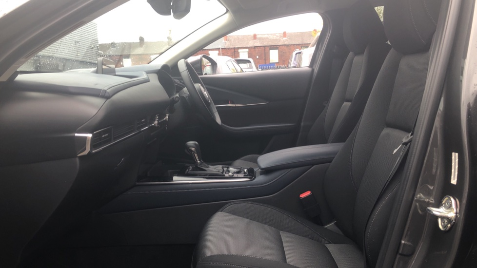 Mazda CX-30 2.0 Skyactiv-X MHEV Sport Lux, Heads Up Display, Heated Seats, Cruise Control image 3