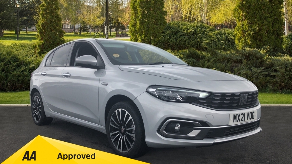 Fiat Tipo 1.0 Life 5dr UConnect, Multifunctional Steering Wheel, climate Control Hatchback (2021)