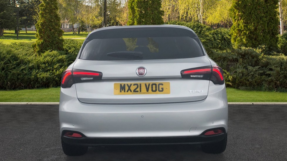Fiat Tipo 1.0 Life 5dr UConnect, Multifunctional Steering Wheel, climate Control image 6