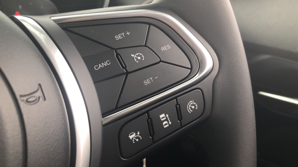 Fiat Tipo 1.0 Life 5dr UConnect, Multifunctional Steering Wheel, climate Control image 26