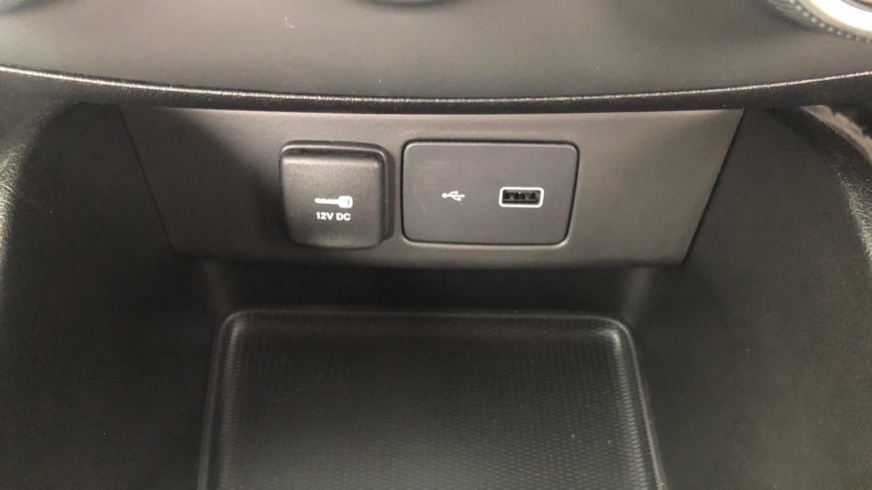Fiat Tipo 1.0 Life 5dr UConnect, Multifunctional Steering Wheel, climate Control image 36