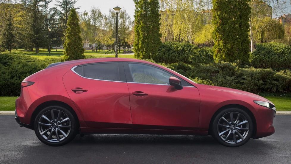 Mazda 3 1.8 Skyactiv-D Sport Lux 5dr image 5