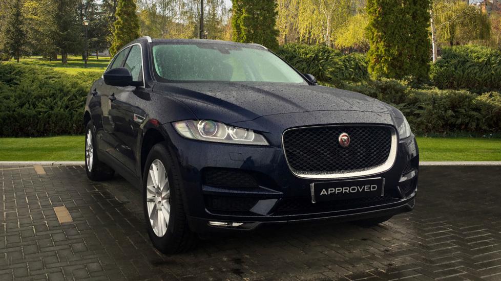Jaguar F-PACE 2.0d Portfolio 5dr AWD Diesel Estate (2016) image