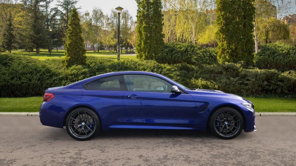 BMW M4 CS 2dr DCT image 5