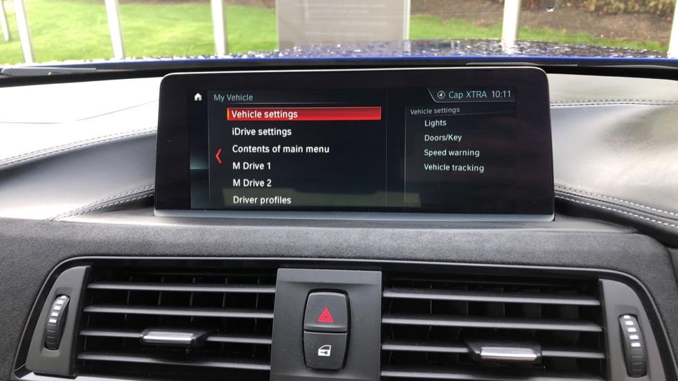 BMW M4 CS 2dr DCT image 29