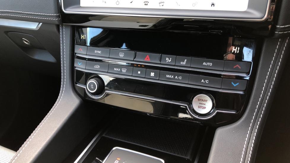 Jaguar F-PACE 2.0d R-Sport 5dr image 28