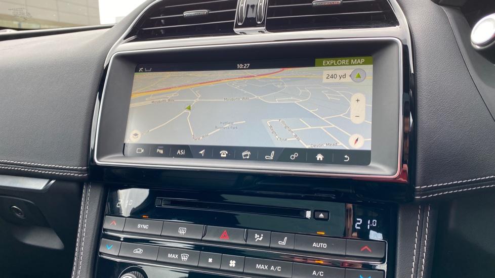 Jaguar F-PACE 2.0d R-Sport 5dr AWD image 23