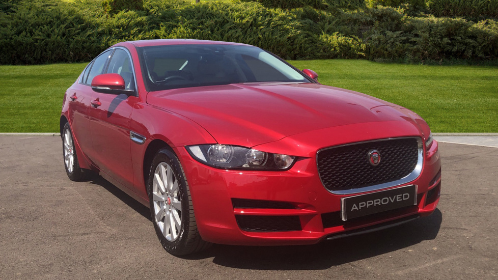 Jaguar XE 2.0 SE Automatic 4 door Saloon (2015) at Jaguar Hatfield thumbnail image