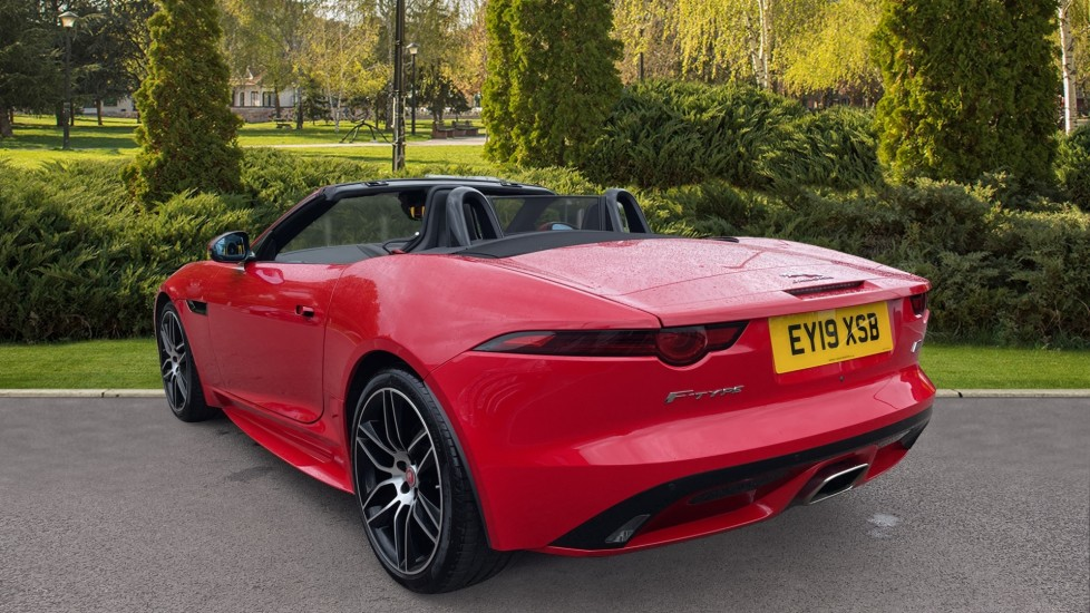 Jaguar F-TYPE 2.0 Chequered Flag 2dr image 2