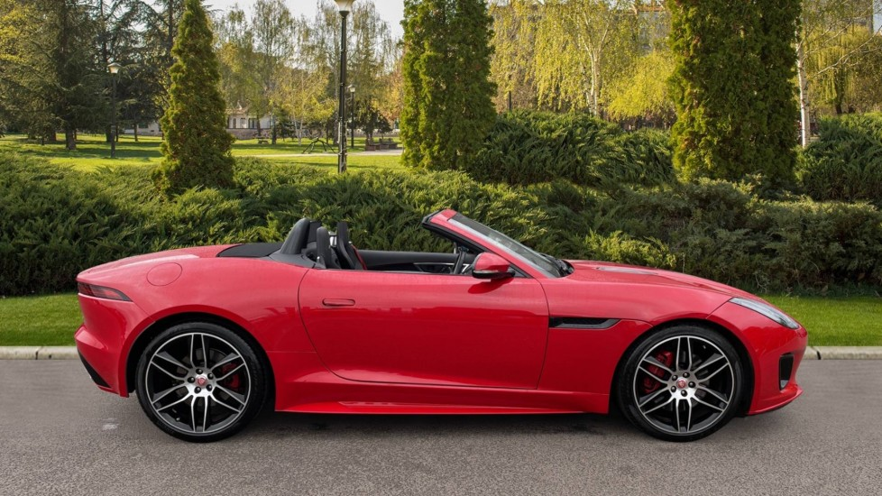 Jaguar F-TYPE 2.0 Chequered Flag 2dr image 5