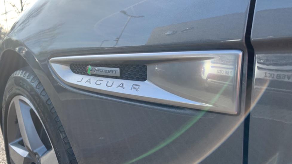 Jaguar XE 2.0d [180] R-Sport image 10