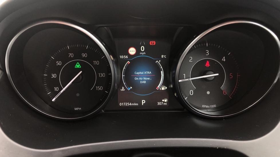 Jaguar E-PACE 2.0d [180] SE 5dr image 17