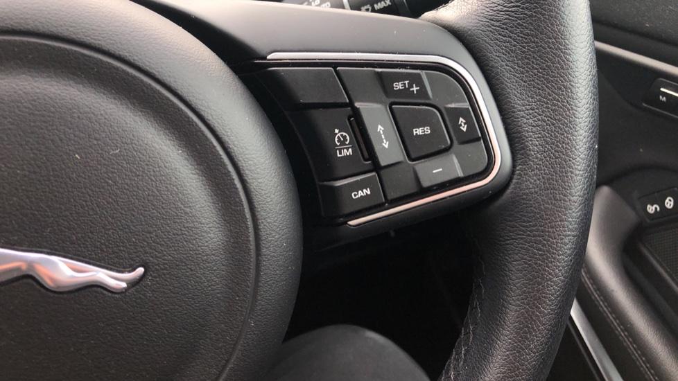 Jaguar E-PACE 2.0d [180] SE 5dr image 19