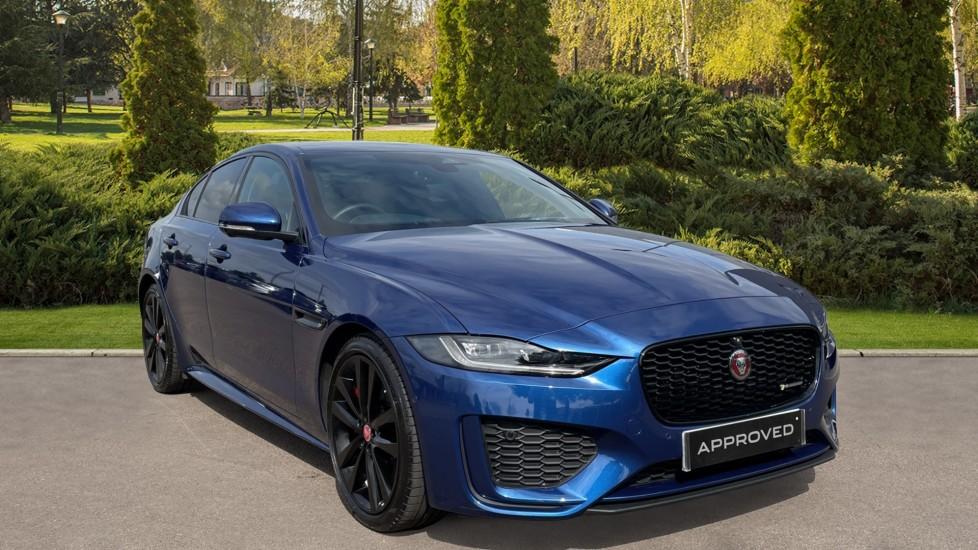 Jaguar XE 2.0 D200 R-Dynamic SE Sliding Panoramic roof, Heated steering wheel Diesel Automatic 4 door Saloon