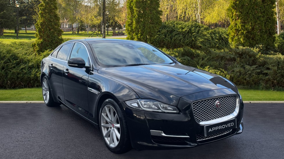 Jaguar XJ 3.0d V6 Luxury Diesel Automatic 4 door Saloon
