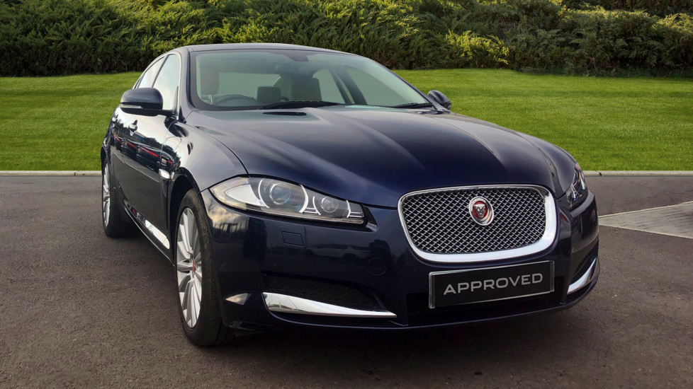 Jaguar XF 2.2d [200] Luxury Diesel Automatic 4 door Saloon (2014) image