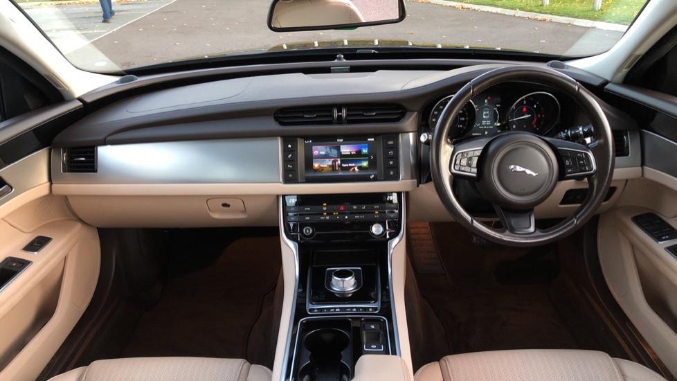 Jaguar XF 2.0d [180] Prestige 4dr Auto image 9
