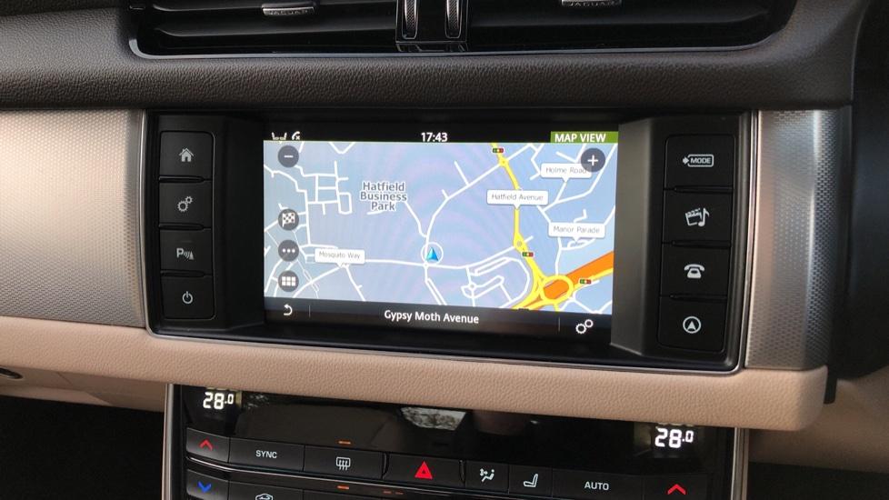 Jaguar XF 2.0d [180] Prestige 4dr Auto image 23