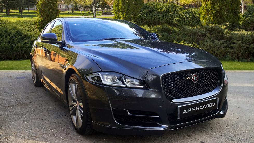 Jaguar XJ XJ R-SPORT V6 D AUTO 3.0 Diesel Automatic 4 door Saloon (2018) image