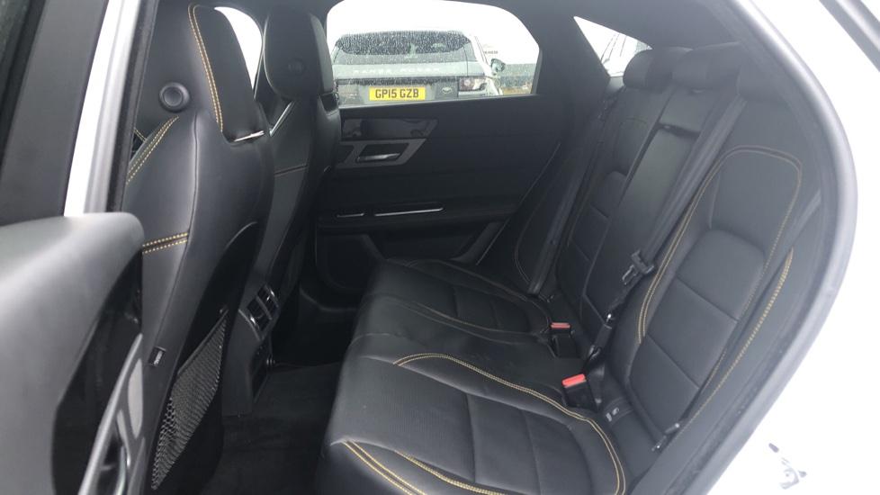 Jaguar XF 3.0d V6 300 Sport 4dr image 4