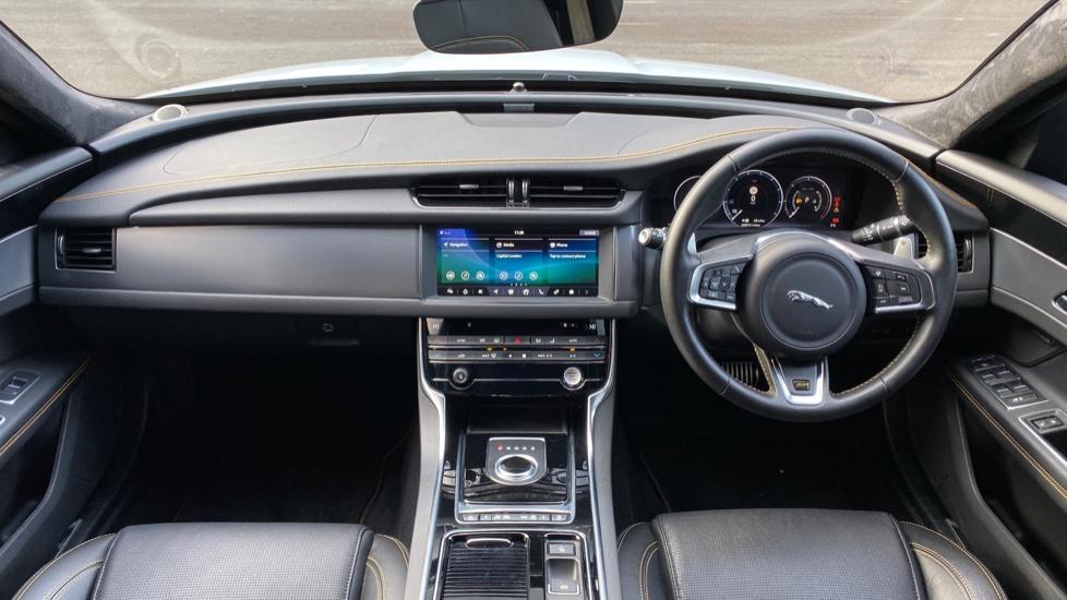 Jaguar XF 3.0d V6 300 Sport 4dr image 9