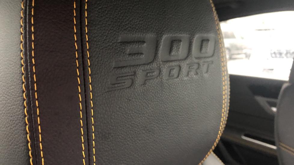 Jaguar XF 3.0d V6 300 Sport 4dr image 12