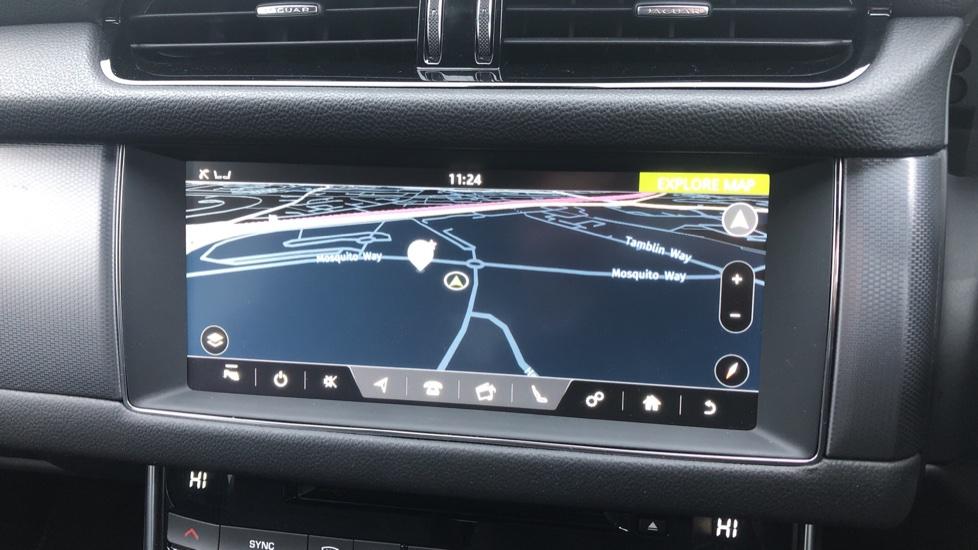 Jaguar XF 3.0d V6 300 Sport 4dr image 19