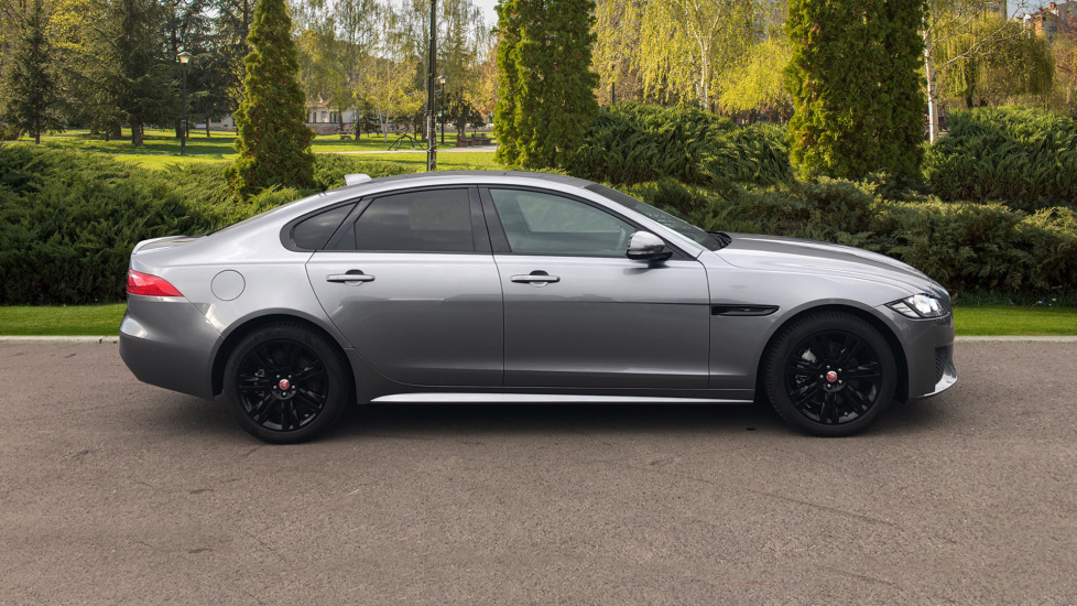 Jaguar XF 2.0d [180] Chequered Flag AWD image 5