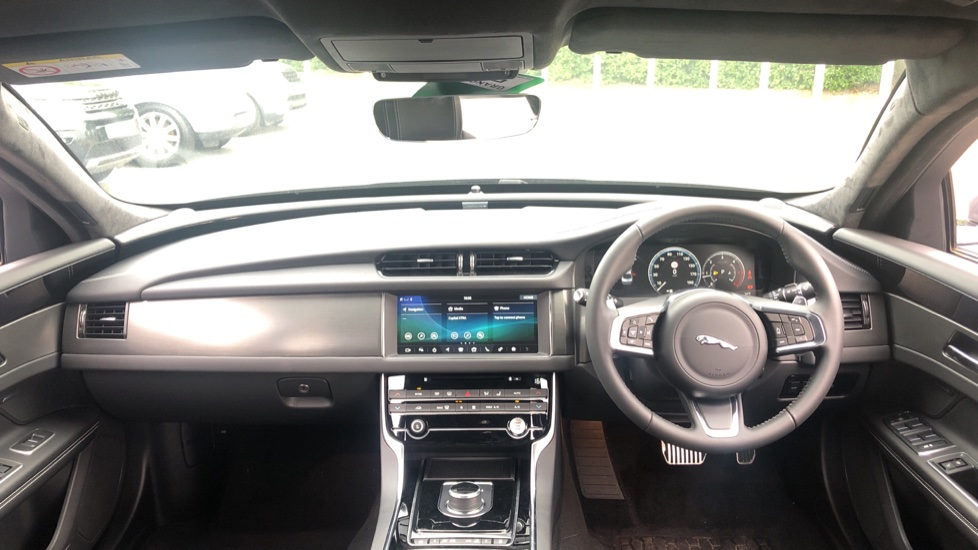 Jaguar XF 2.0d [180] Chequered Flag AWD image 9