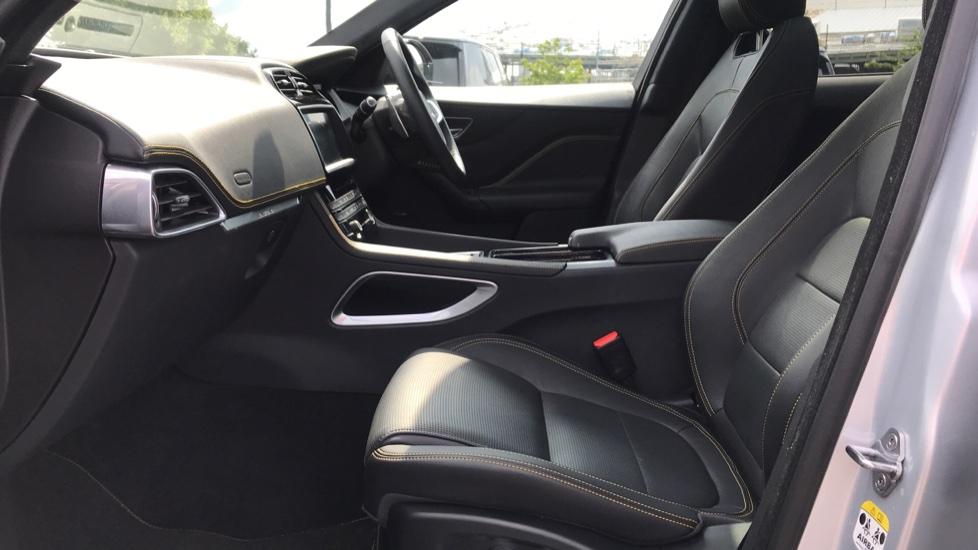 Jaguar F-PACE 2.0 [300] 300 Sport 5dr AWD image 3