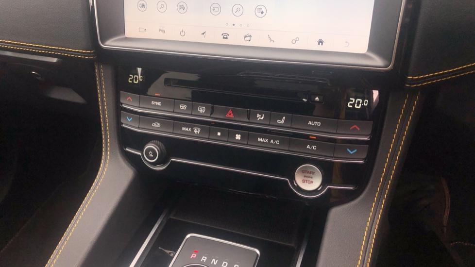 Jaguar F-PACE 2.0 [300] 300 Sport 5dr AWD image 31