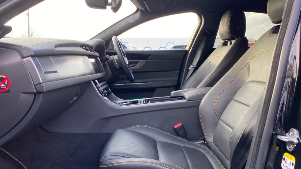 Jaguar XF 3.0D V6 300 Sport  image 3