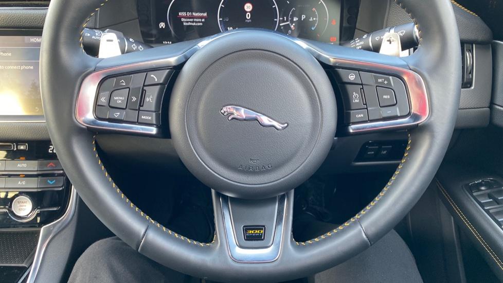 Jaguar XF 3.0D V6 300 Sport  image 21