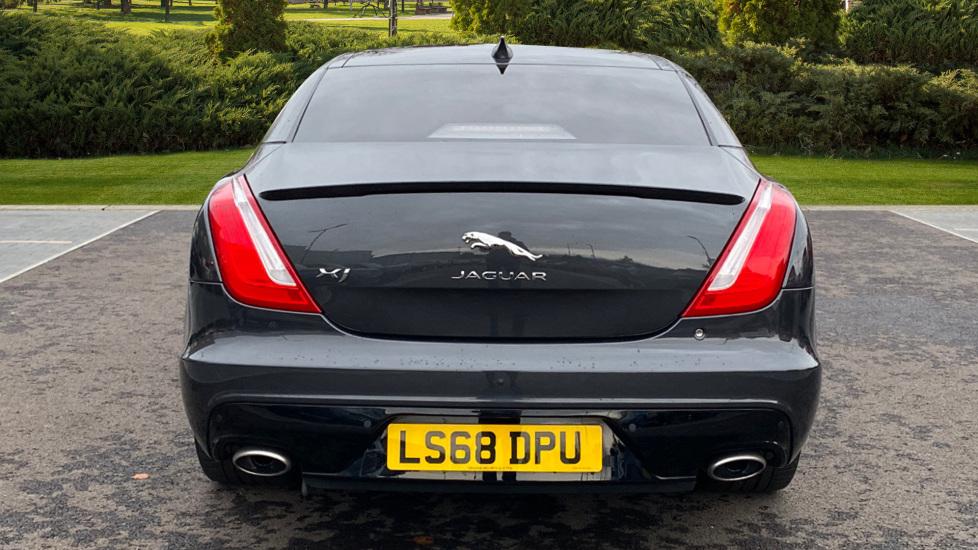 Jaguar XJ 3.0d V6 R-Sport 4dr image 6