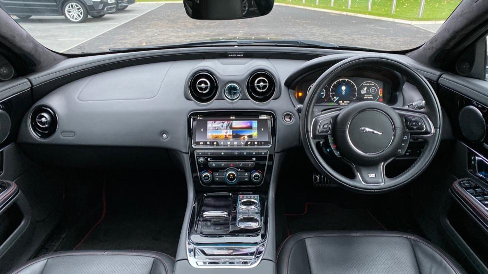 Jaguar XJ 3.0d V6 R-Sport 4dr image 9