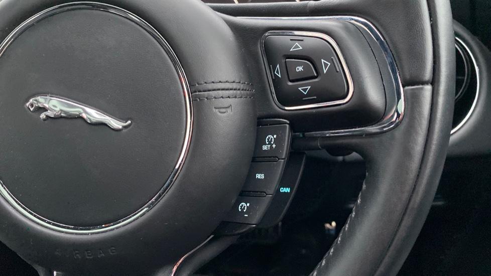 Jaguar XJ 3.0d V6 R-Sport 4dr image 24